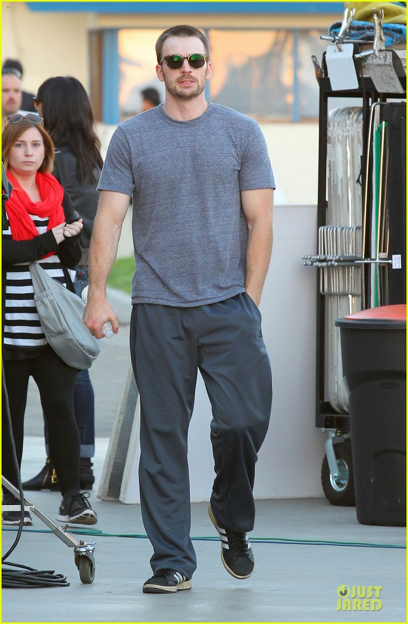 chris evans many splintered thing set with topher grace 08