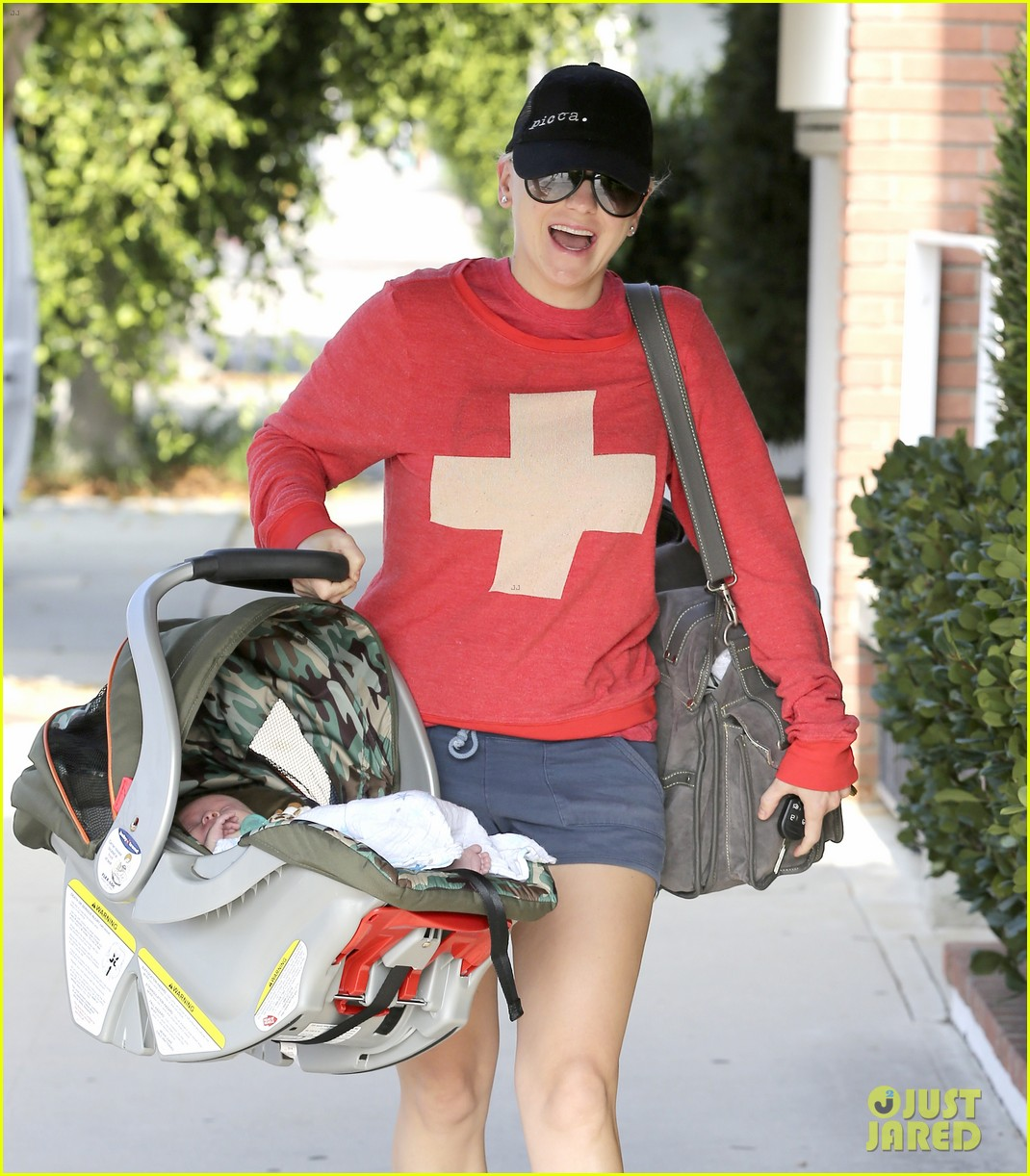 anna faris baby jack check up 102752811