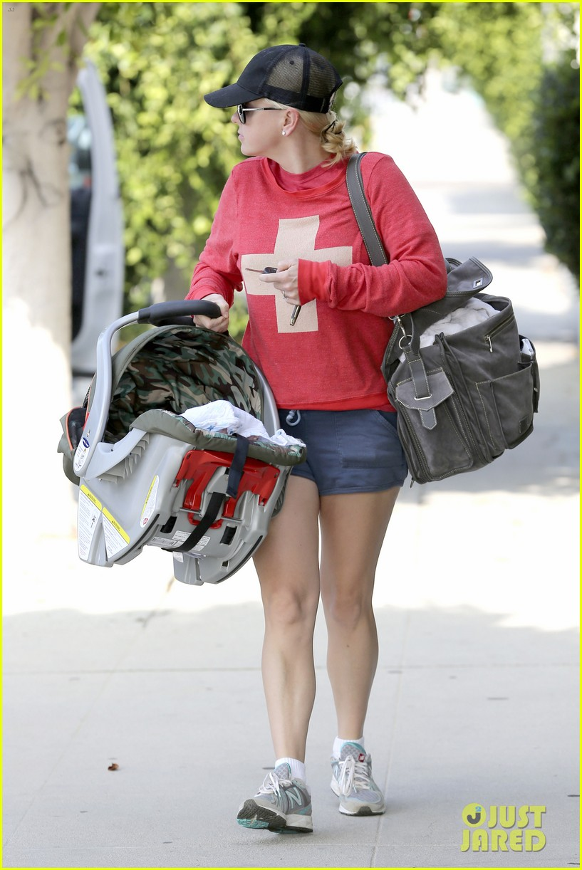 anna faris baby jack check up 15