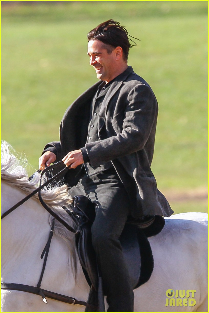 colin farrell horseback riding winters tale 06