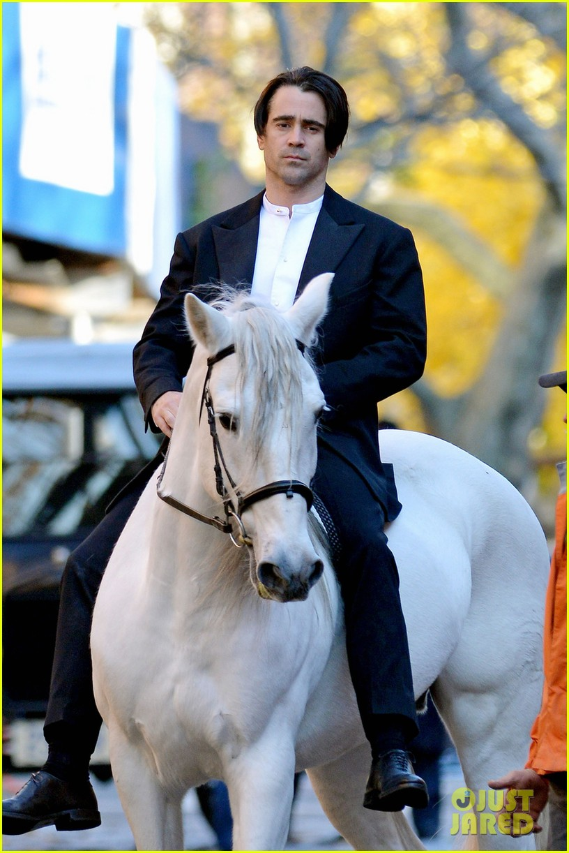colin farrell saddles up for a winters tale 02