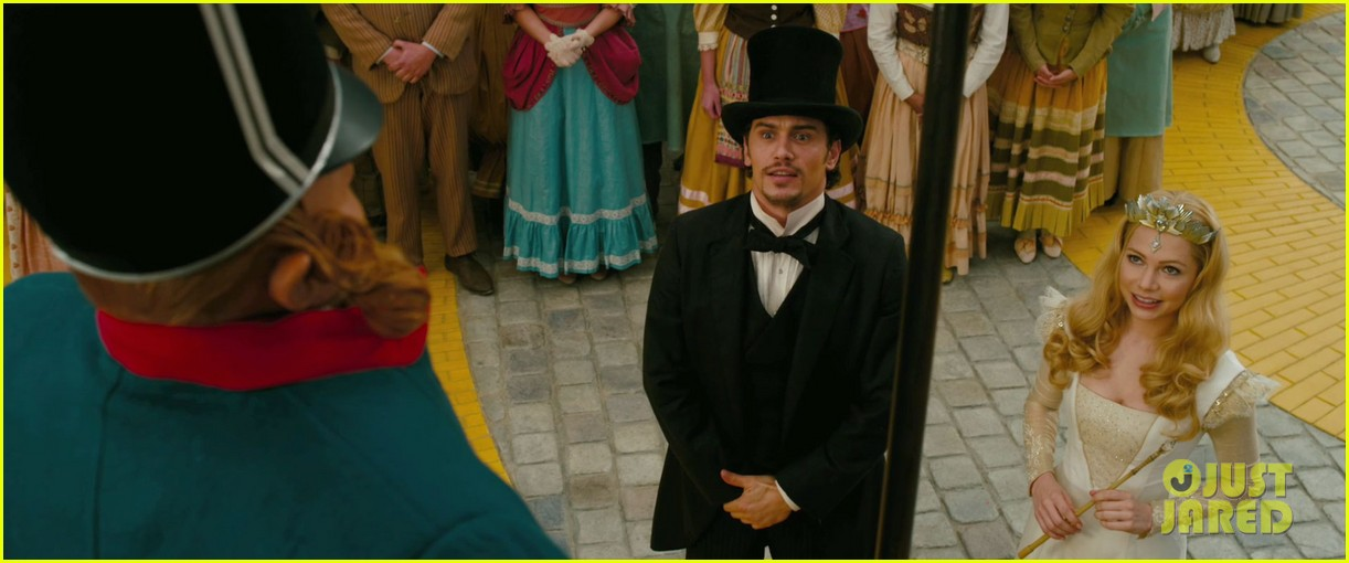 james franco mila kunis oz the great and powerful trailer 02