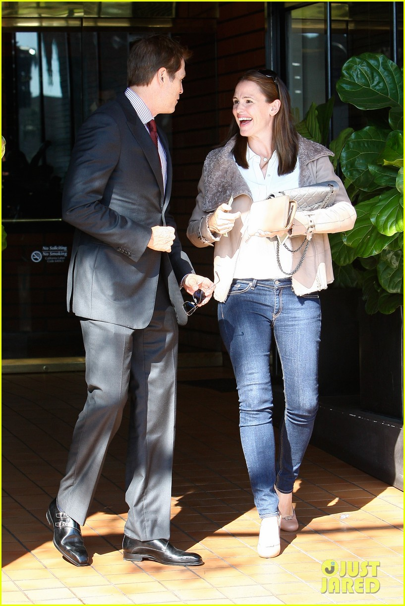 jennifer garner busy brentwood 02