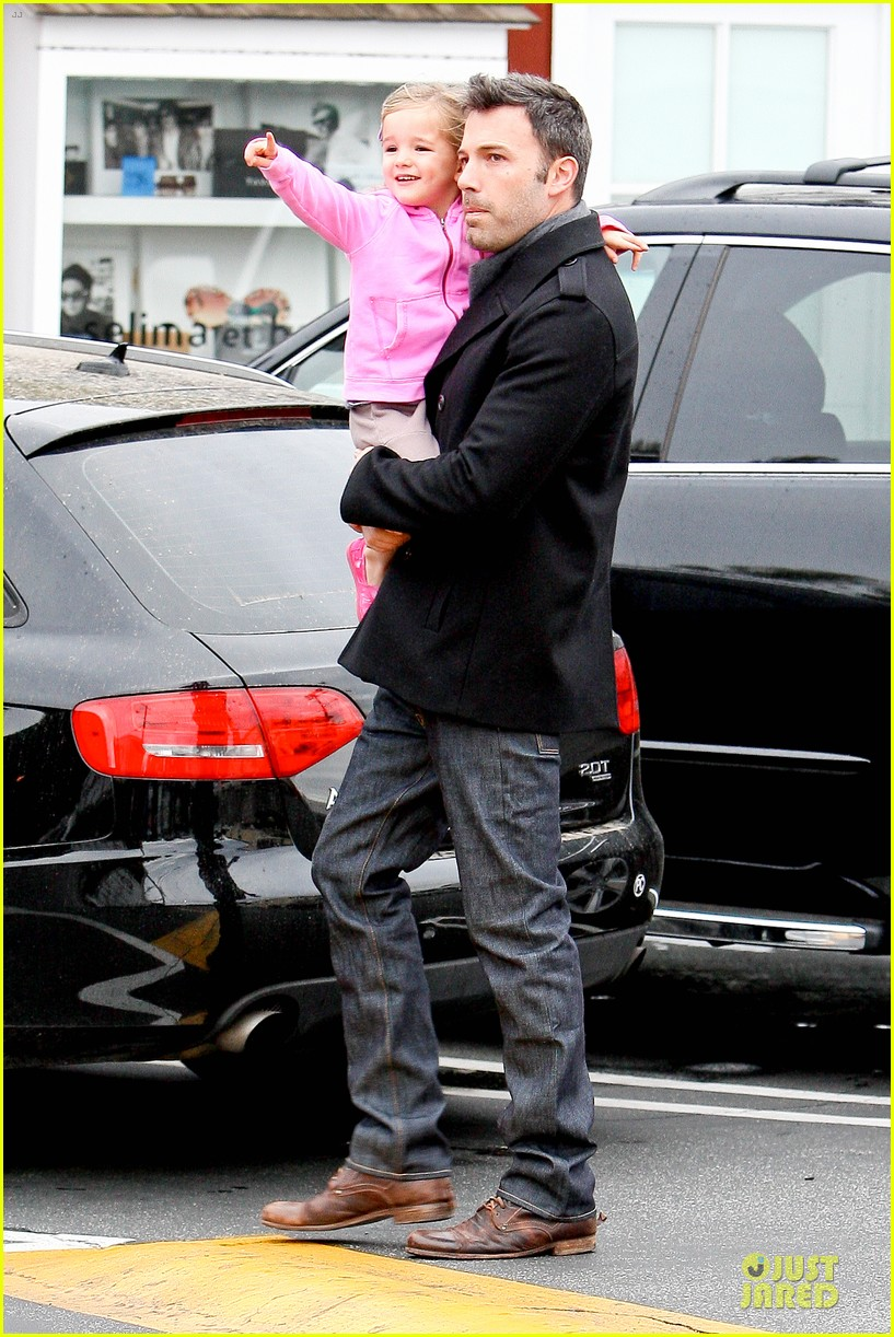 jennifer garner ben affleck kids karate class pick up 12