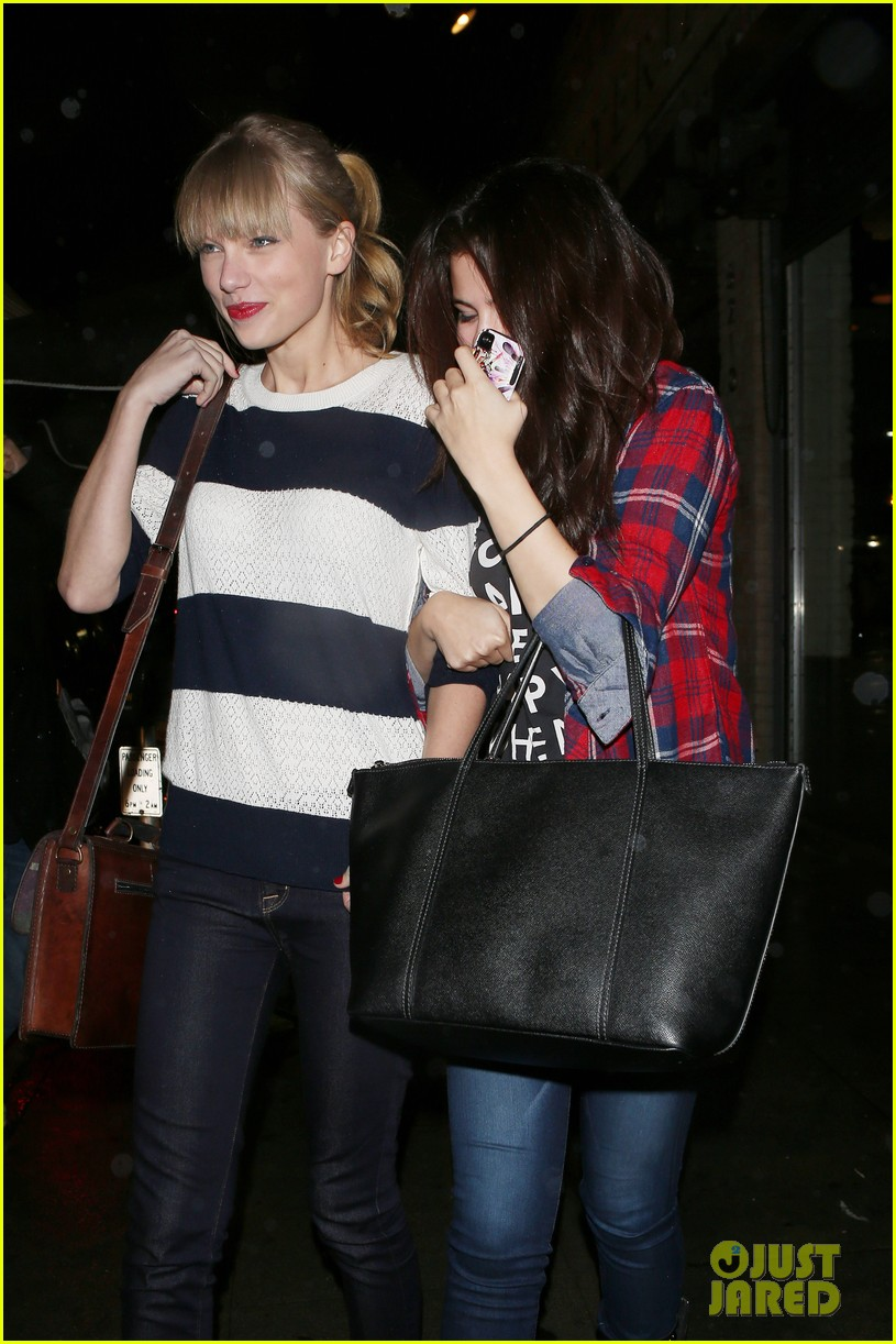 selena gomez taylor swift saturday night dinner duo 072759814