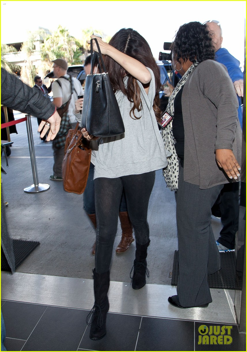 selena gomez flight post justin bieber split 01