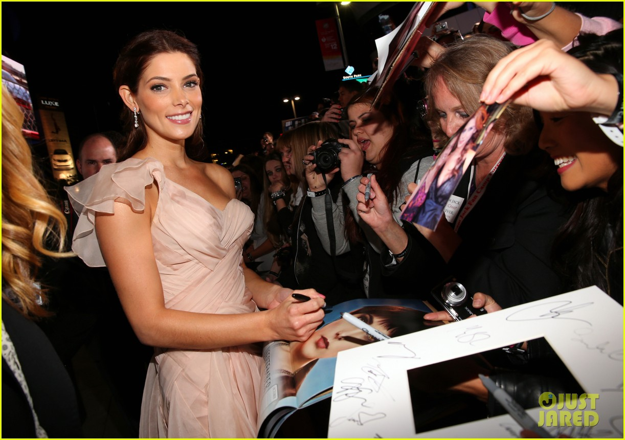 ashley greene twilight breaking dawn part 2 premiere 06