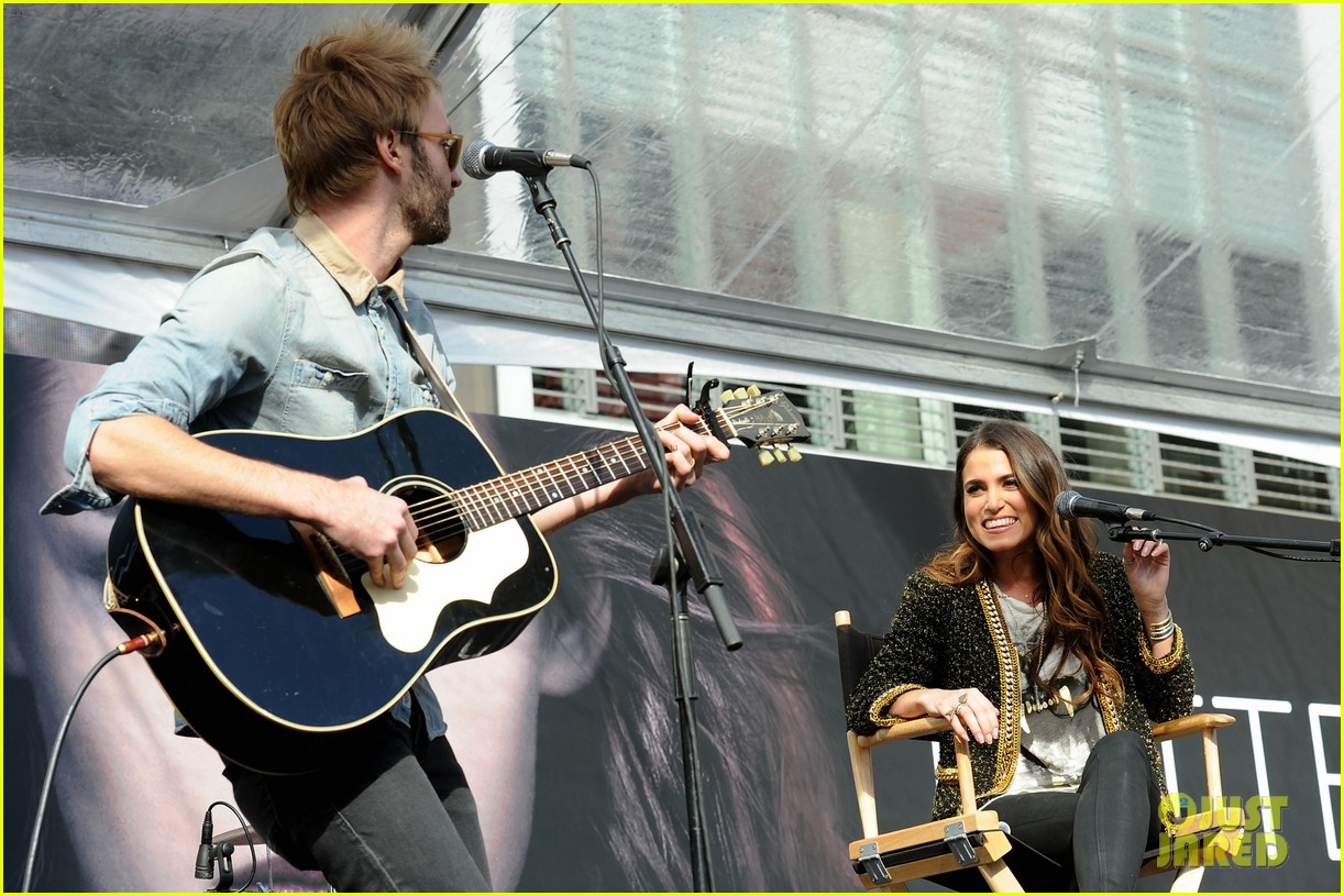 ashley greene nikki reed twilight fan camp concert 292755205