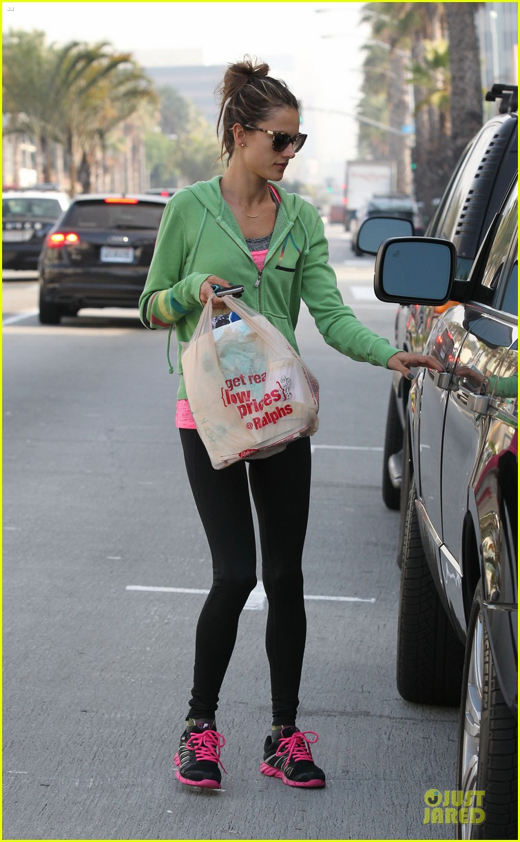 alessandra ambrosio grocery shopping with anja 122750475