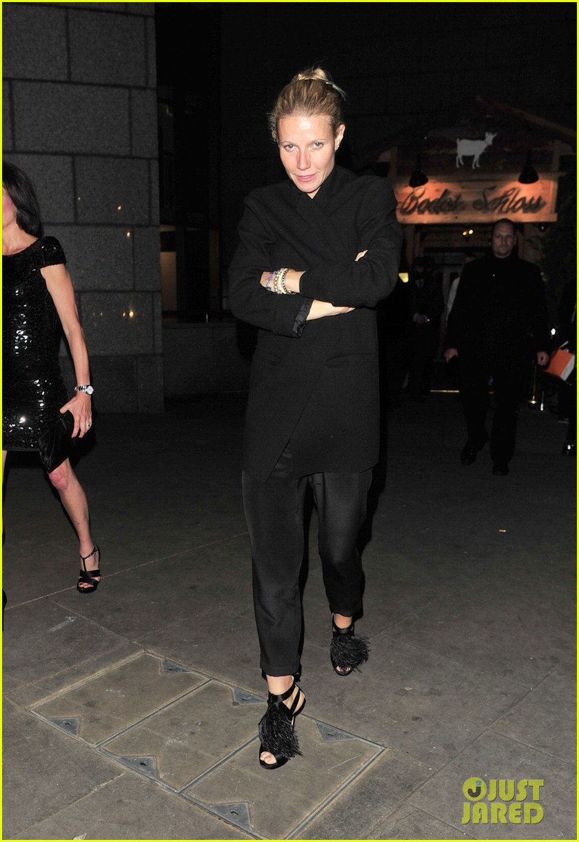 gwyneth paltrow bodos schloss night out 06
