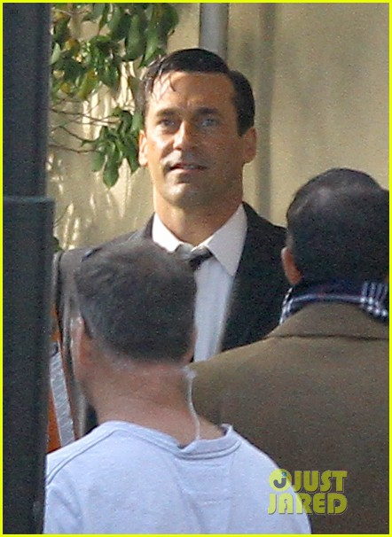 jon hamm shares bathtub with daniel radcliffe 112750234