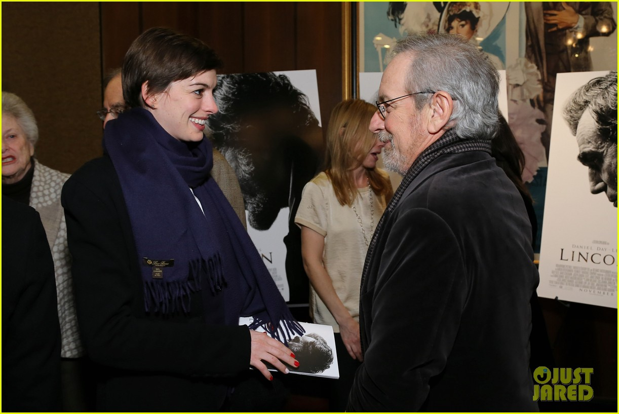 anne hathaway lincoln screening with steven spielberg 12