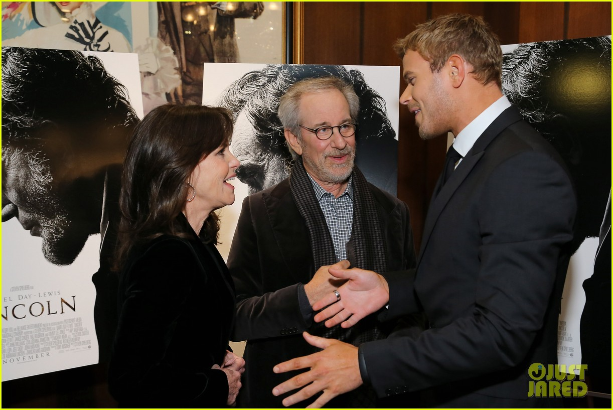 anne hathaway lincoln screening with steven spielberg 13