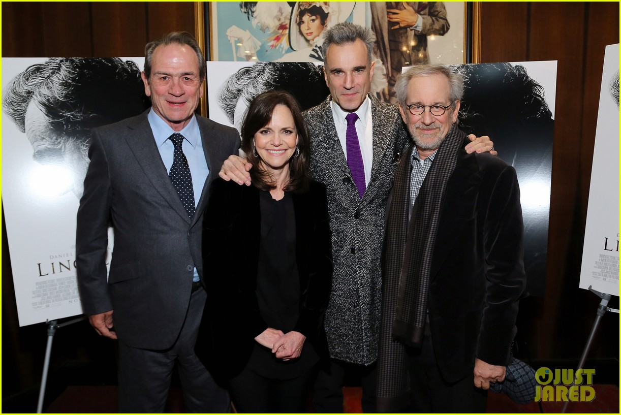 anne hathaway lincoln screening with steven spielberg 242757790