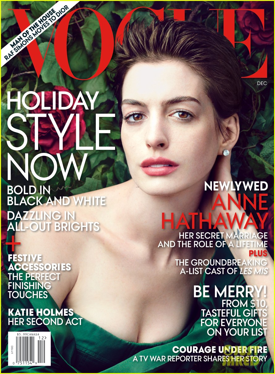 anne hathaway covers vogue december 2012 01