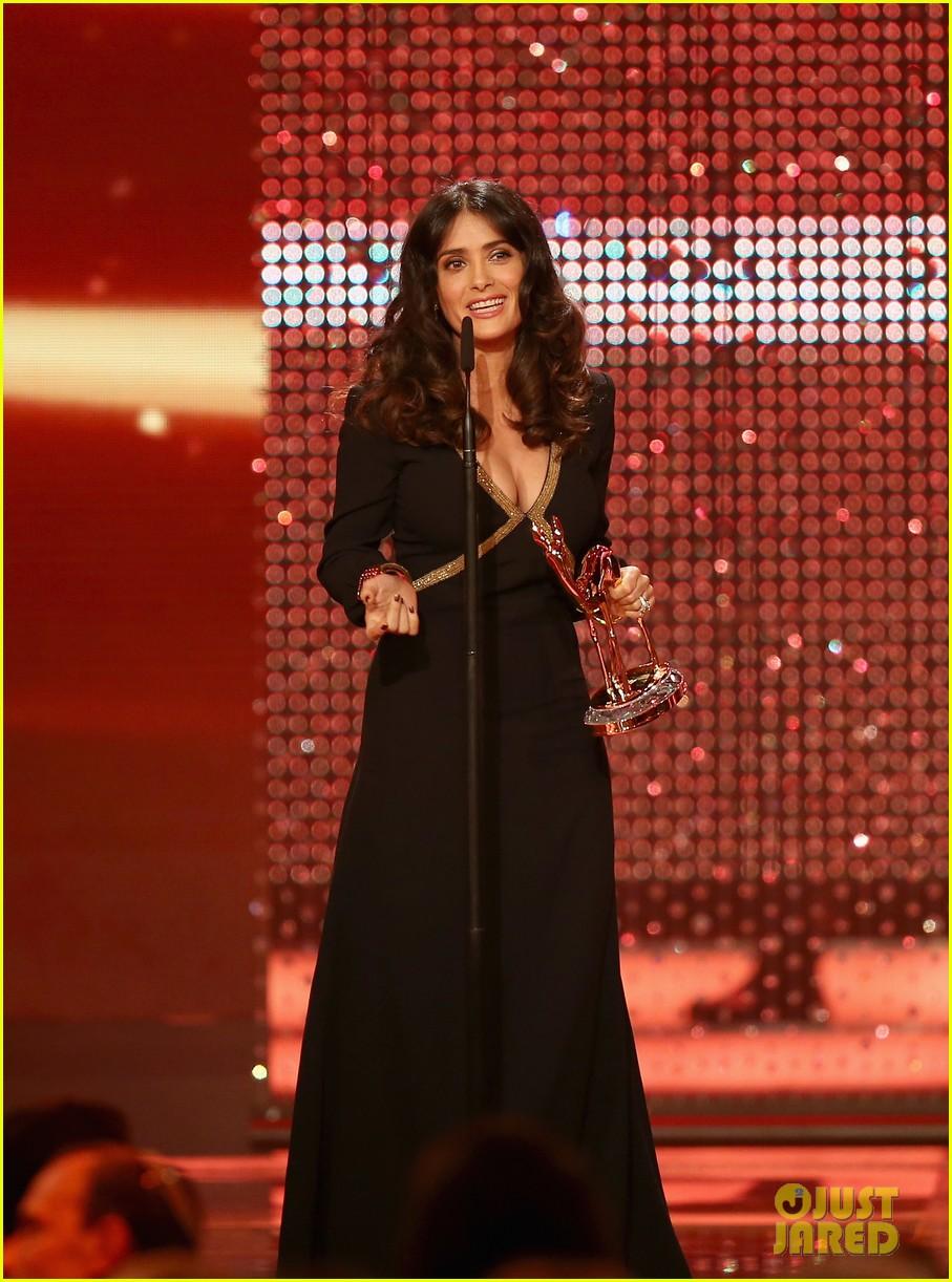 salma hayek celine dion bambi awards 2012 05