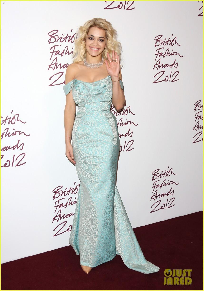 salma hayek rita ora british fashion awards 2012 022764755