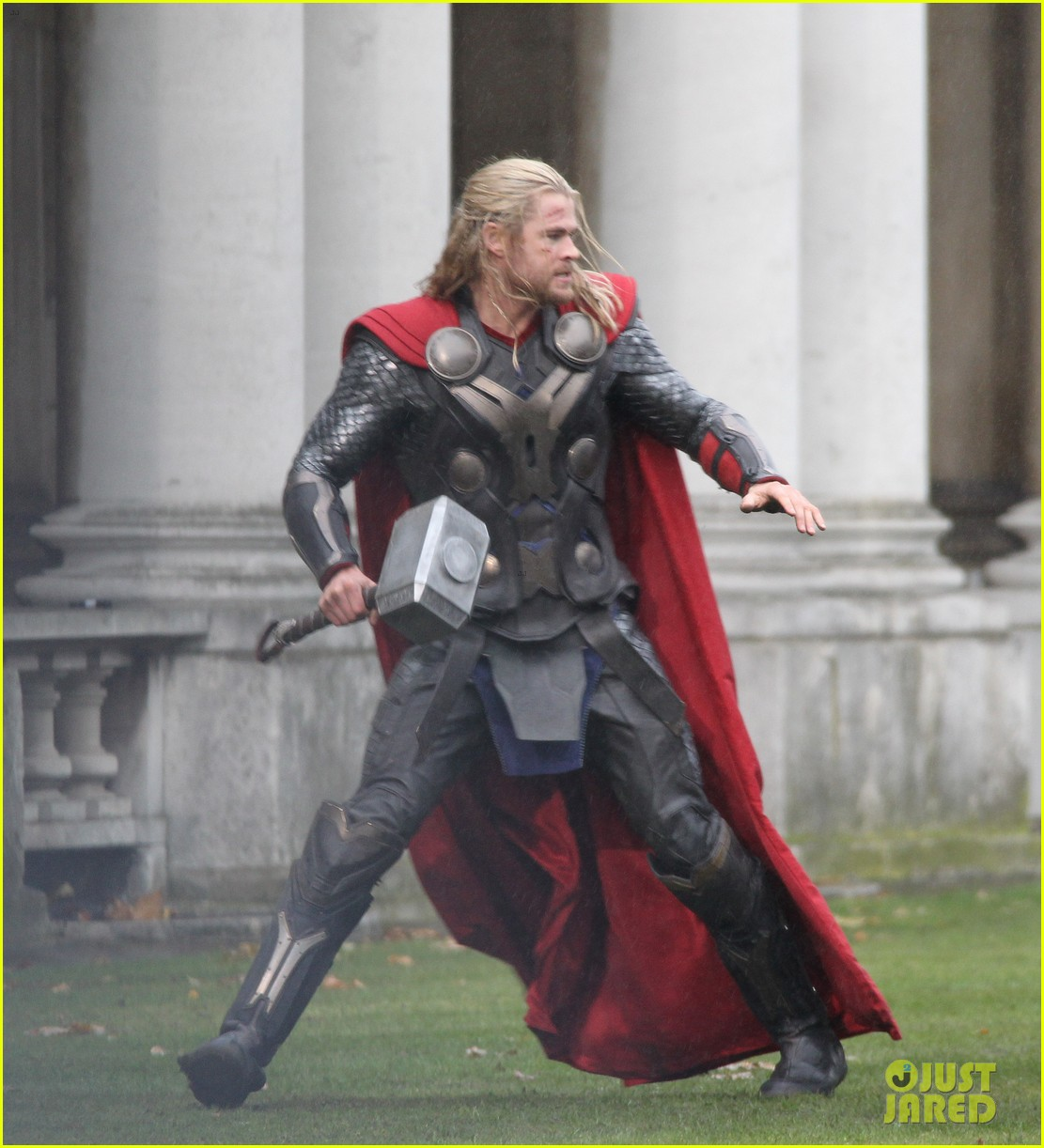 chris hemsworth thor 2 set in london 01