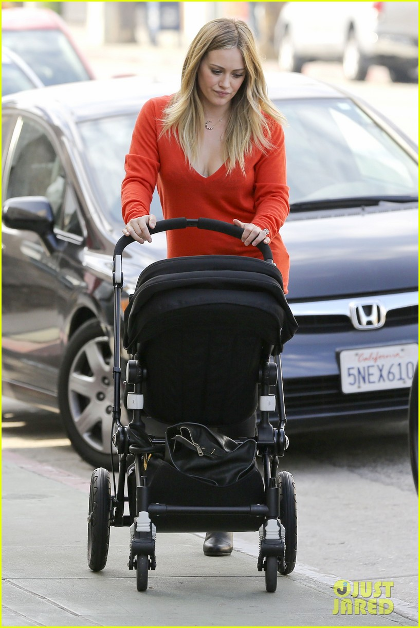 hilary duff its beginning to look like christmas 13