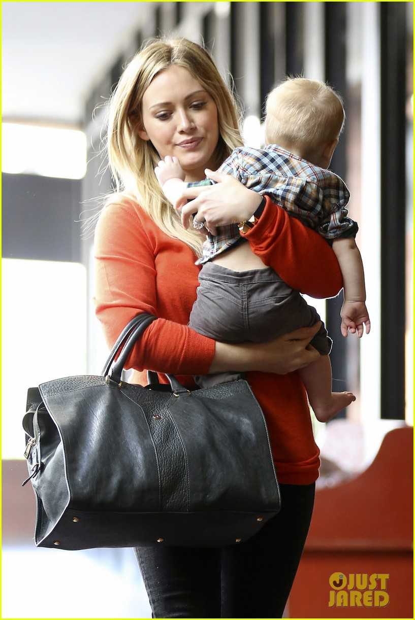 hilary duff its beginning to look like christmas 30