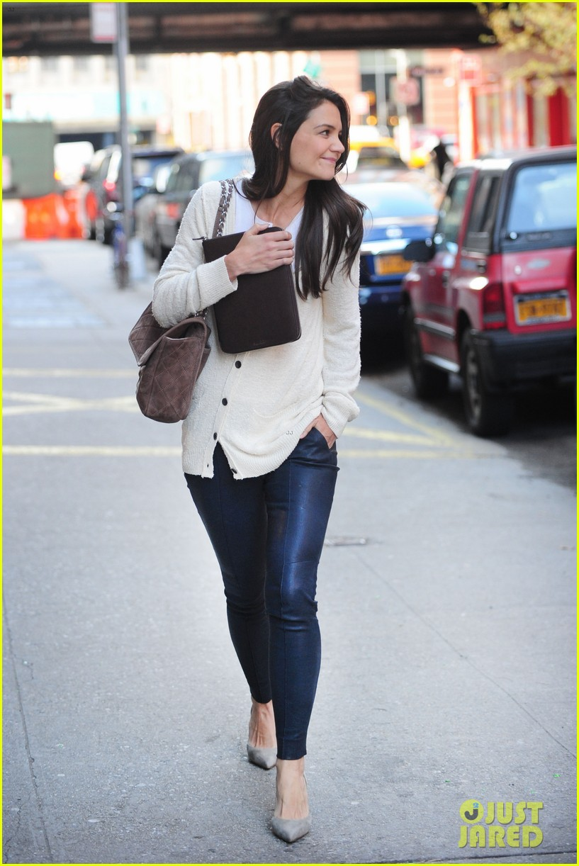 katie holmes election day rehearsals 12