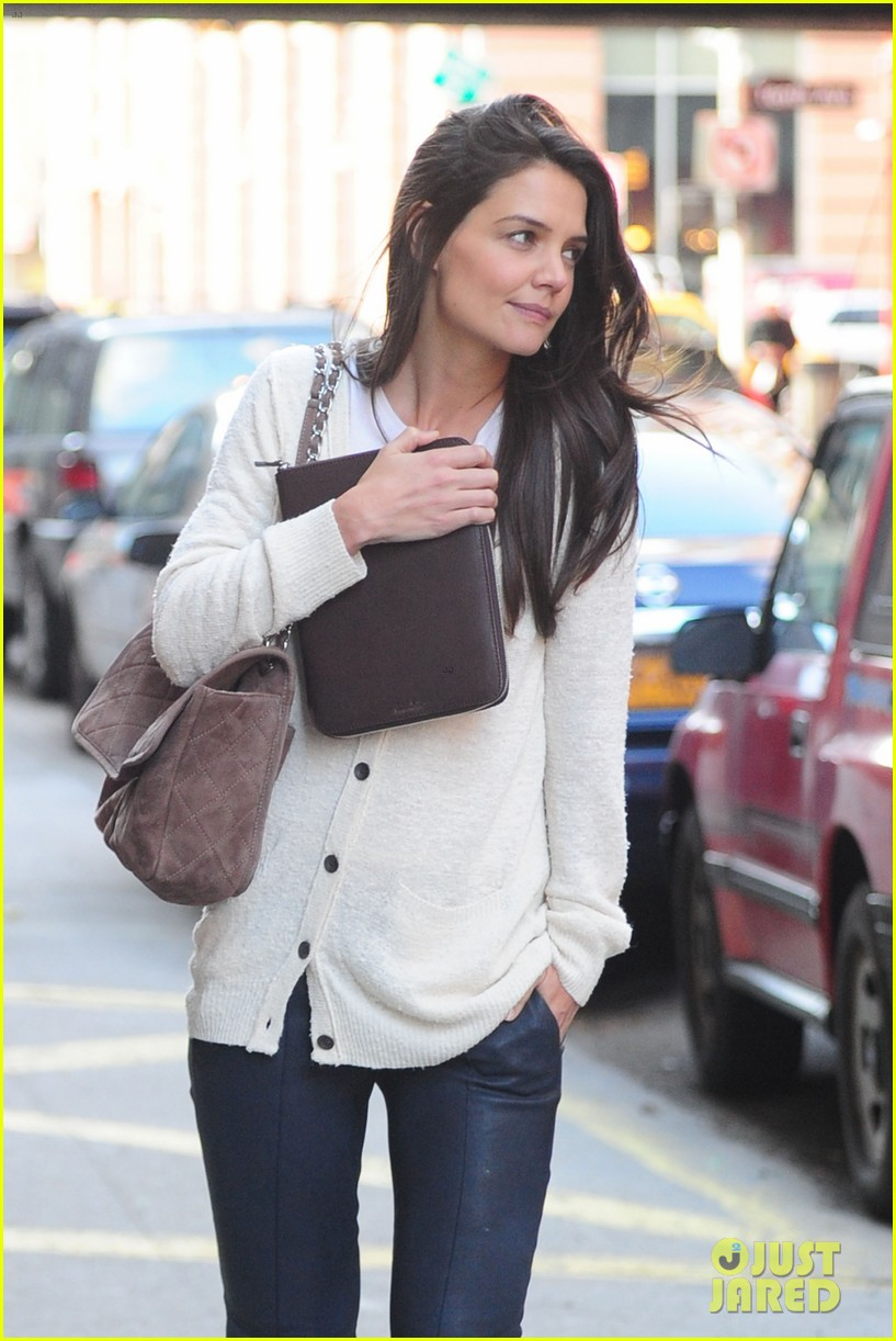 katie holmes election day rehearsals 14