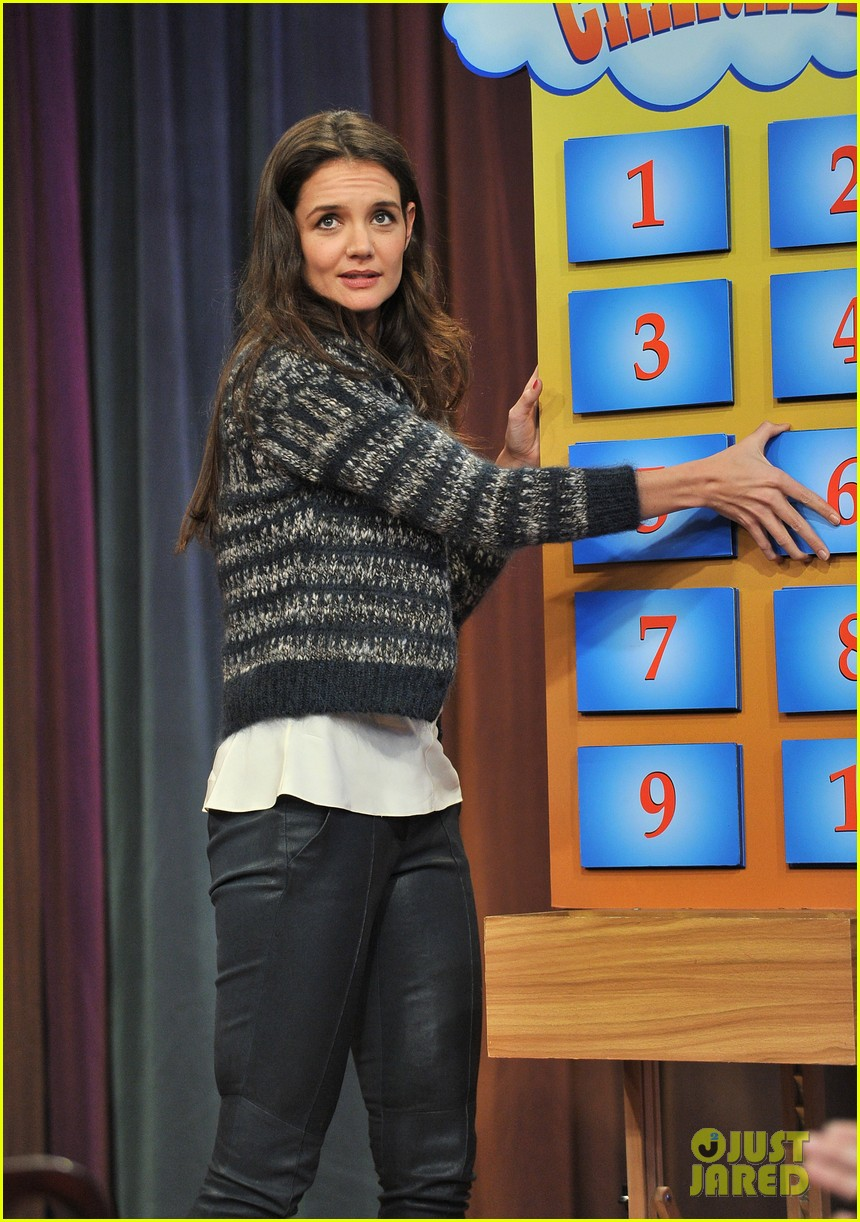 katie holmes plays charades on late night with jimmy fallon 12