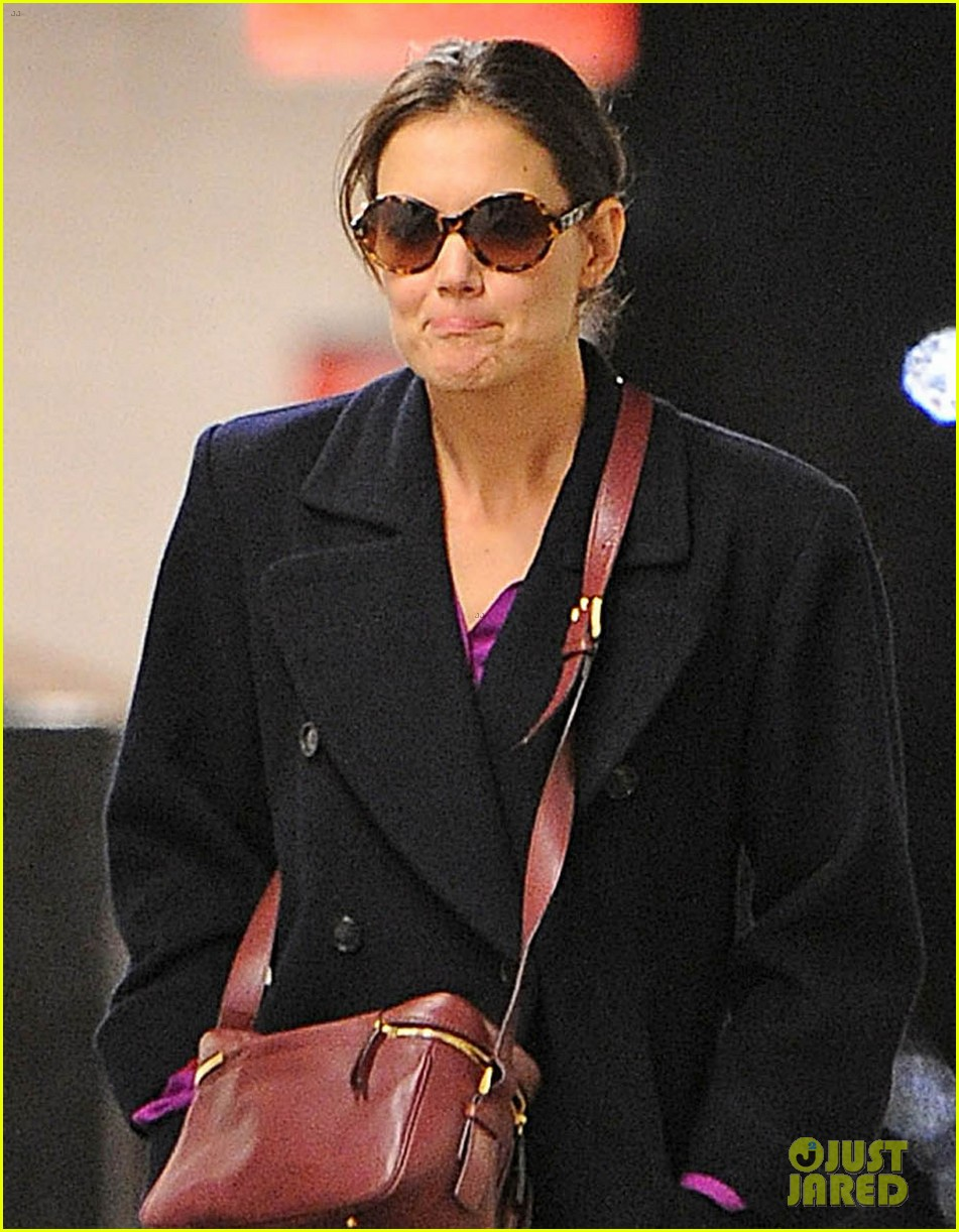 katie holmes kisses josh hamilton in dead accounts 072751849