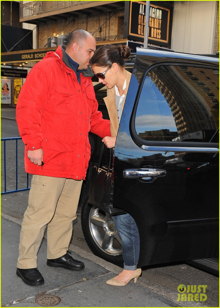 katie holmes the broadway community is so supportive 06