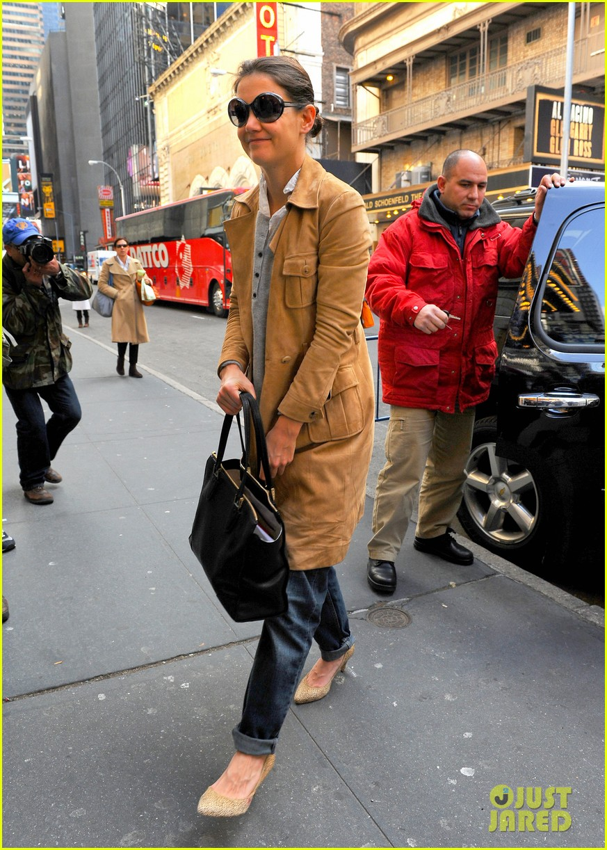 katie holmes the broadway community is so supportive 10