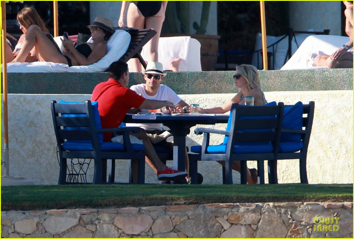 julianne hough ryan seacrest weekend vacation in mexico 12