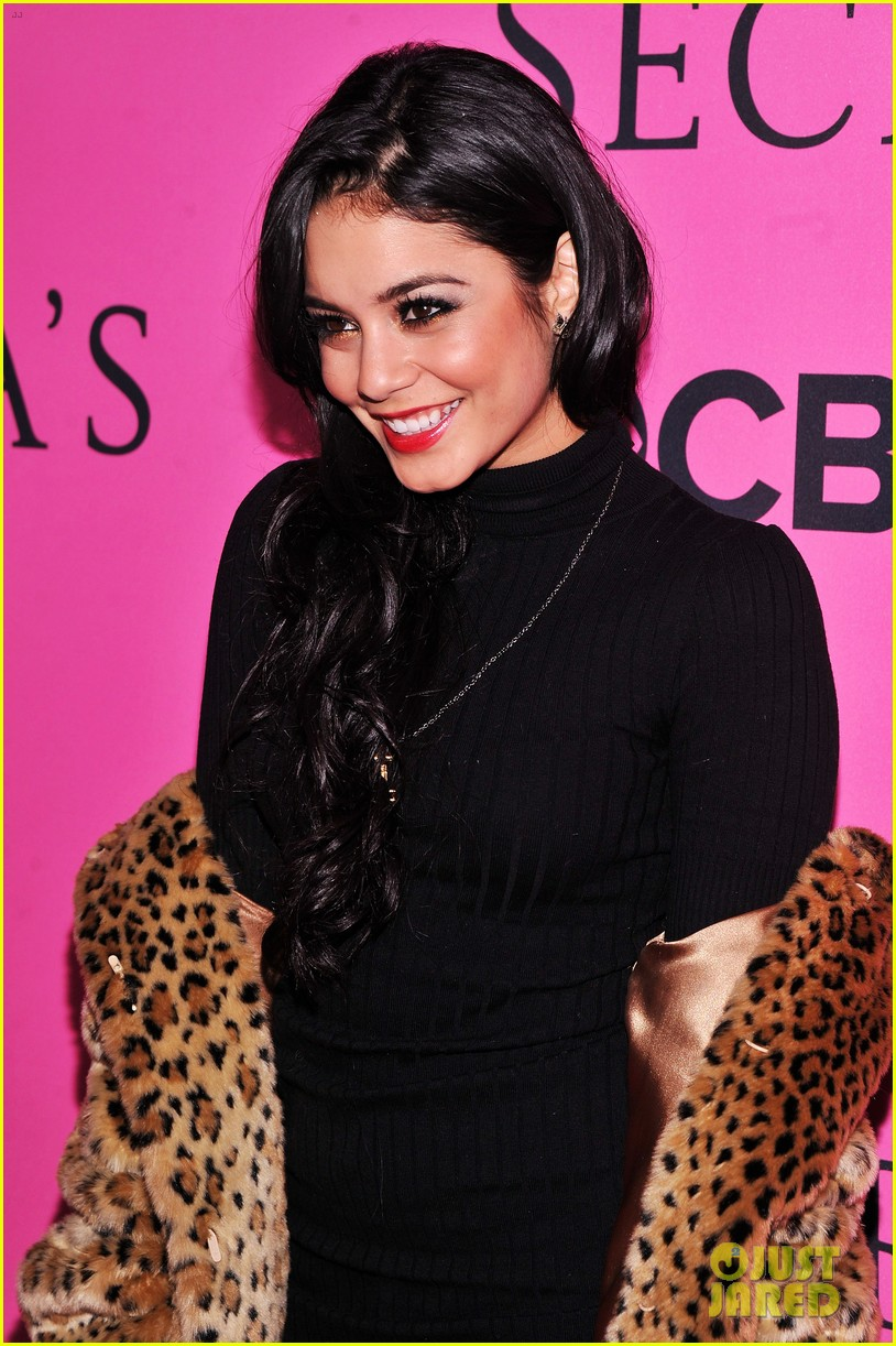 vanessa hudgens victorias secret fashion show 2012 07