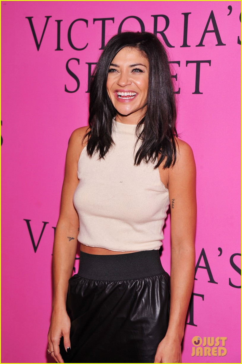 vanessa hudgens victorias secret fashion show 2012 12
