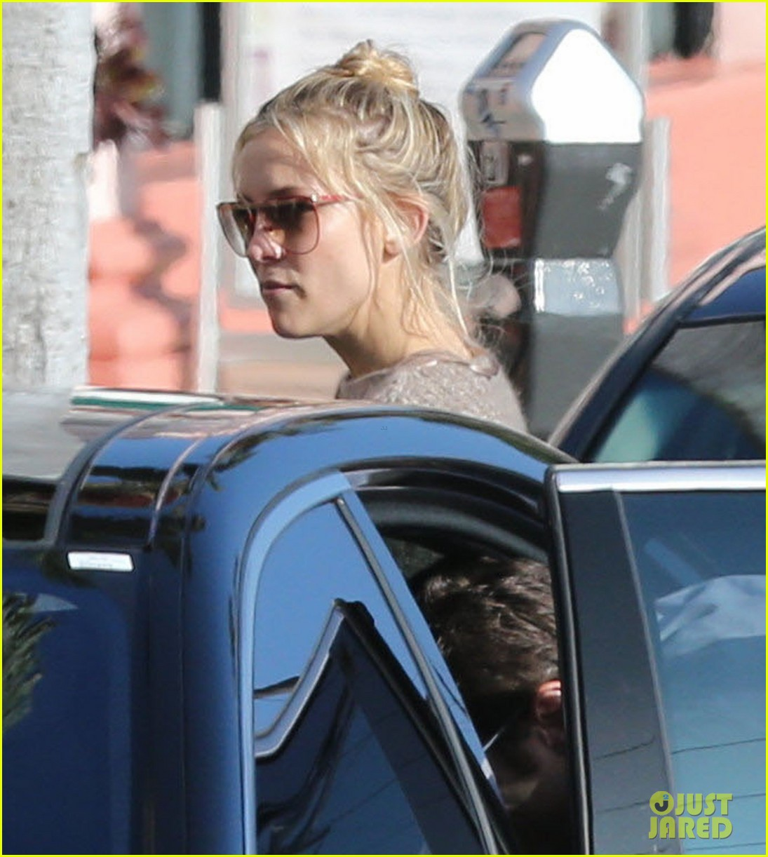 kate hudson mom goldie hawns birthday lunch 262762763