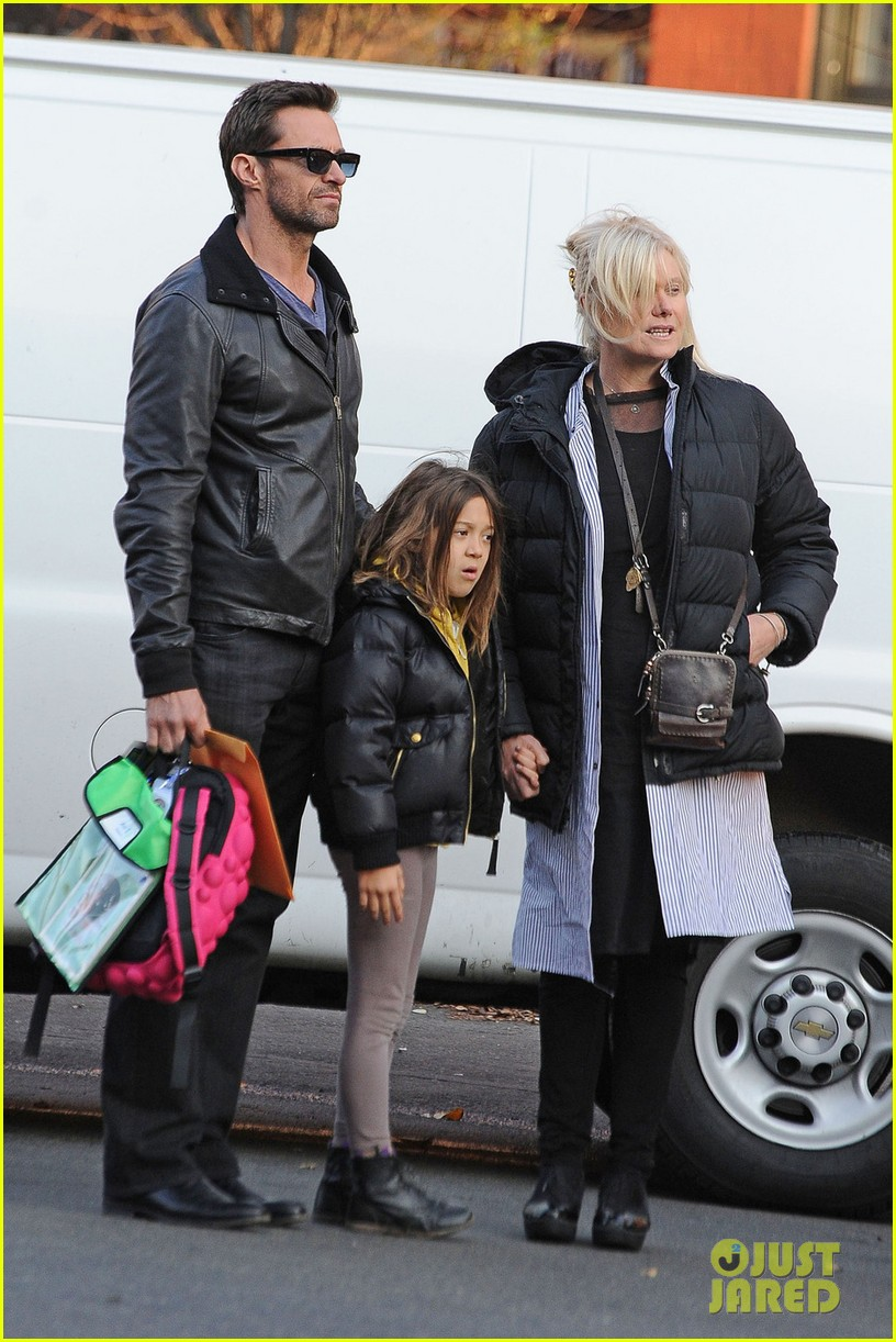 hugh jackman family cab ride 03