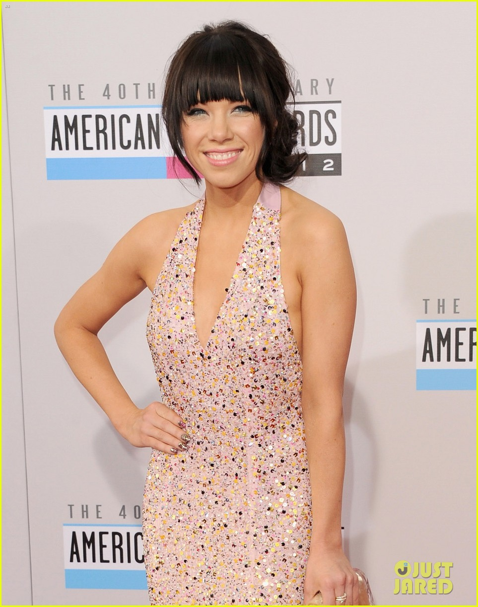 carly rae jepsen amas 2012 red carpet 062760142