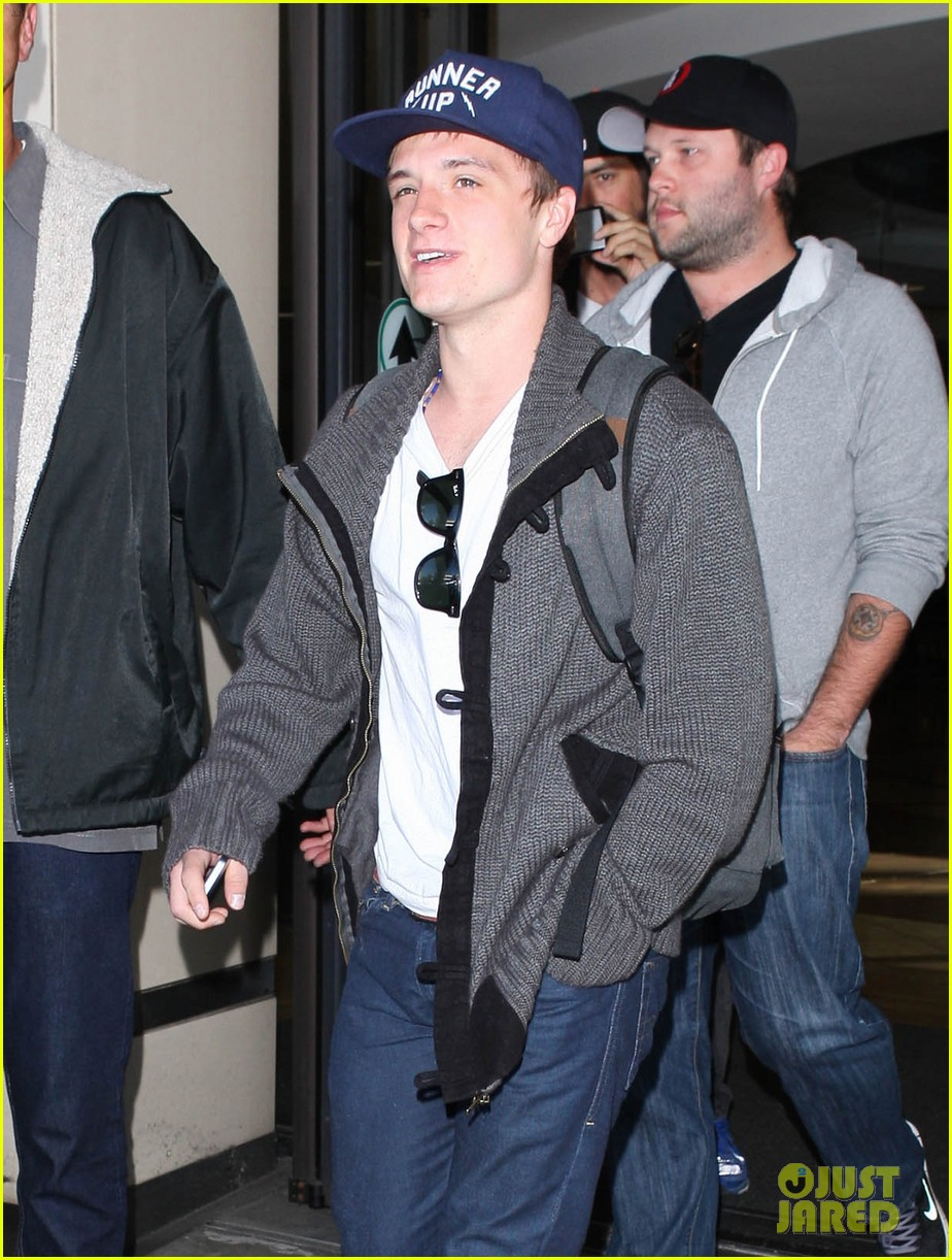 josh hutcherson back in la 052760878