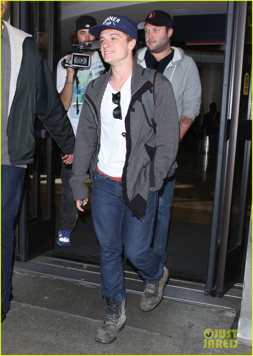 josh hutcherson back in la 09