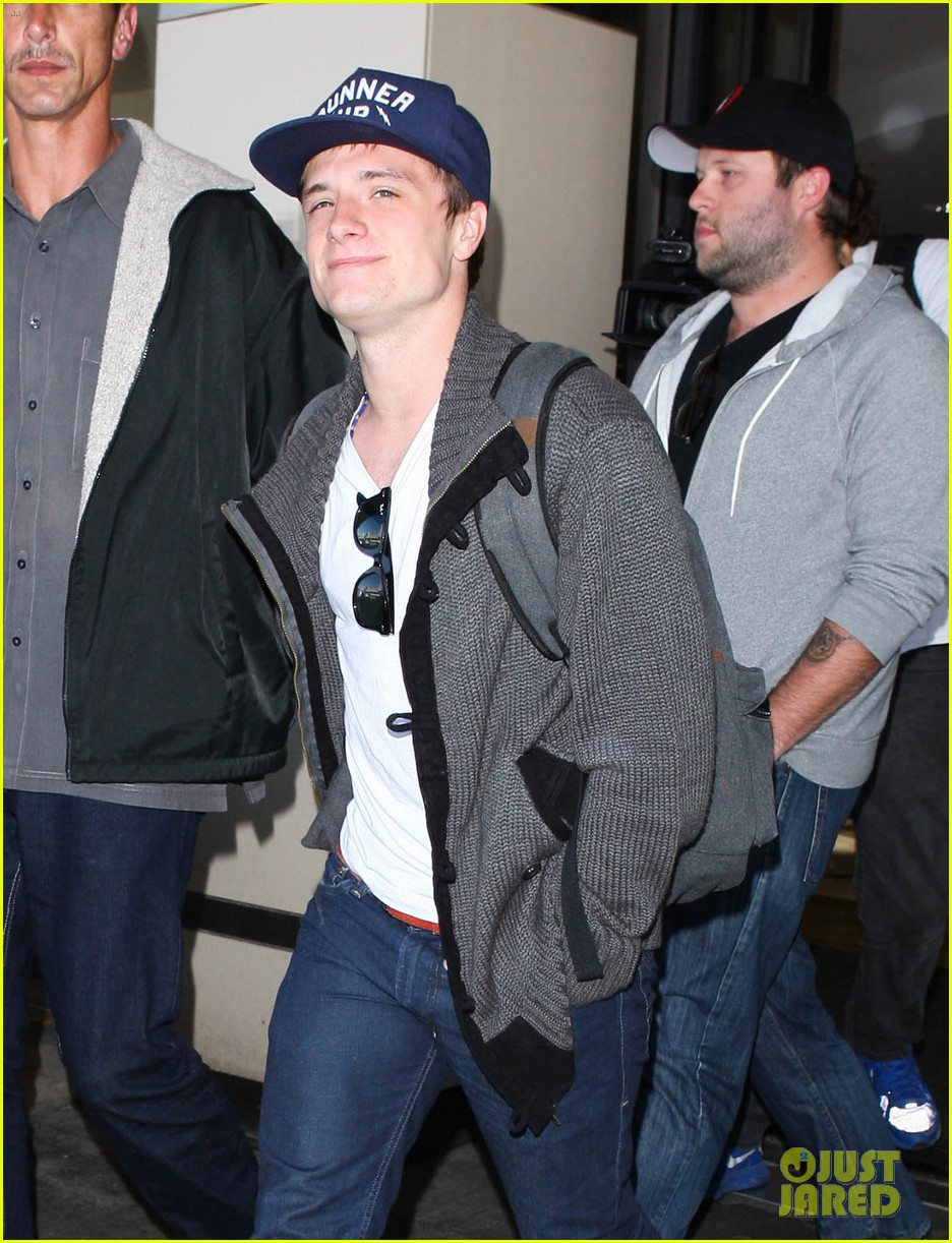josh hutcherson back in la 112760884