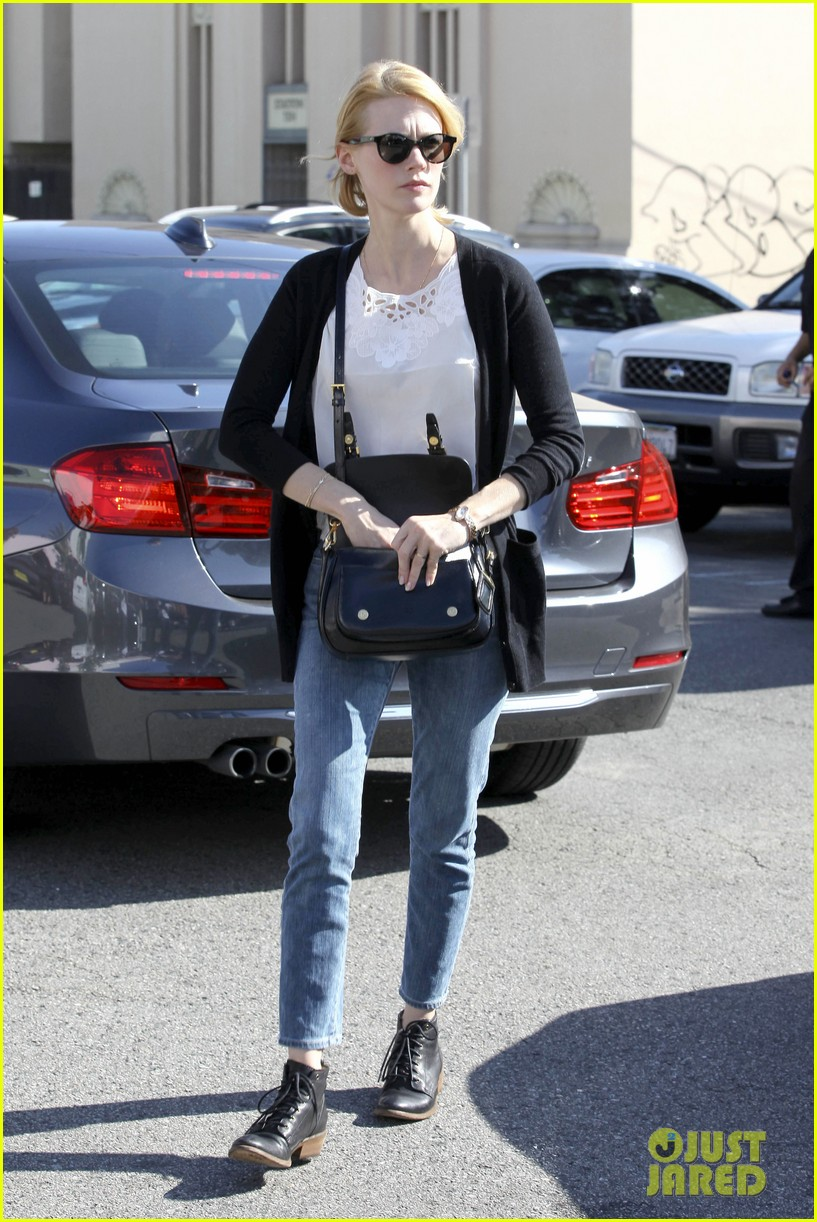 january jones cecconis lunch with friends 19
