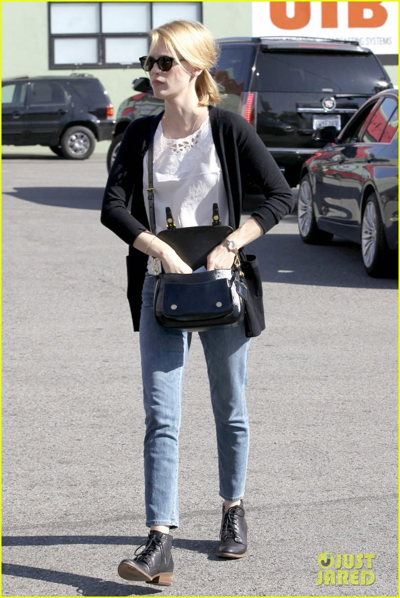 january jones cecconis lunch with friends 28