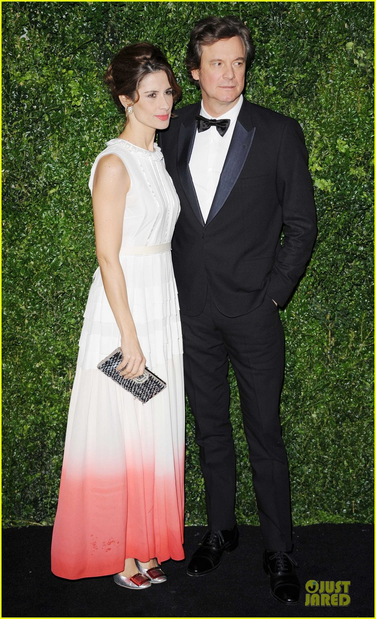 felicity jones jeremy irvine london evening standard theatre awards 01
