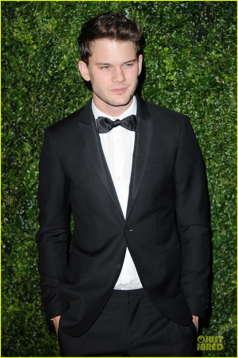 felicity jones jeremy irvine london evening standard theatre awards 15