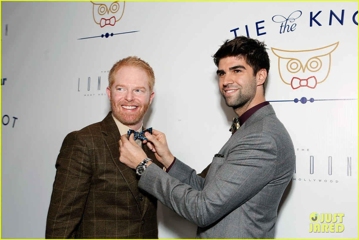 jesse tyler ferguson fiance justin mikita launch tie the knot charity 072758154