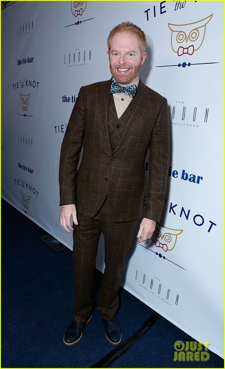 jesse tyler ferguson fiance justin mikita launch tie the knot charity 152758162