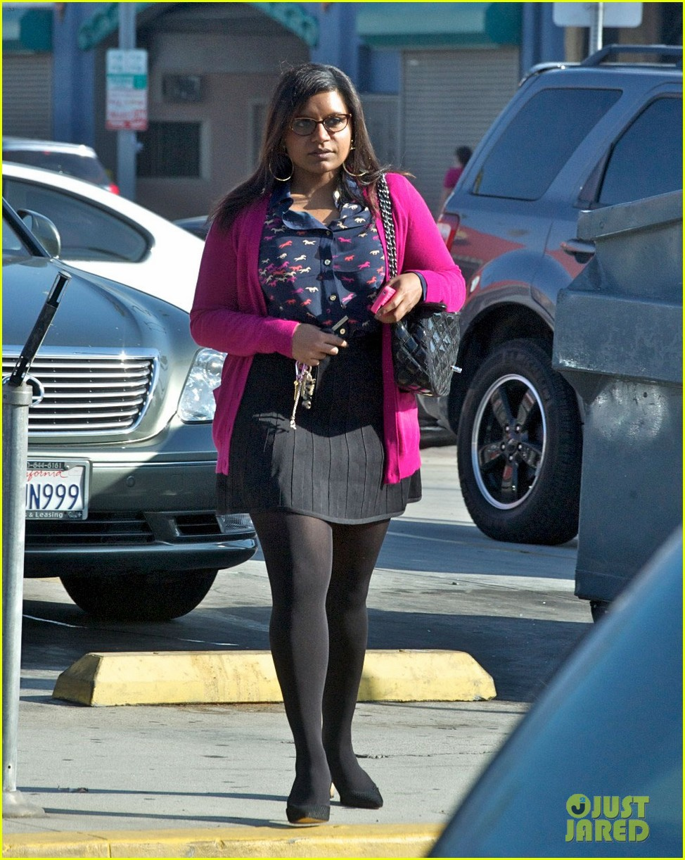 mindy kaling mindy project undergoes casting shakeup 03