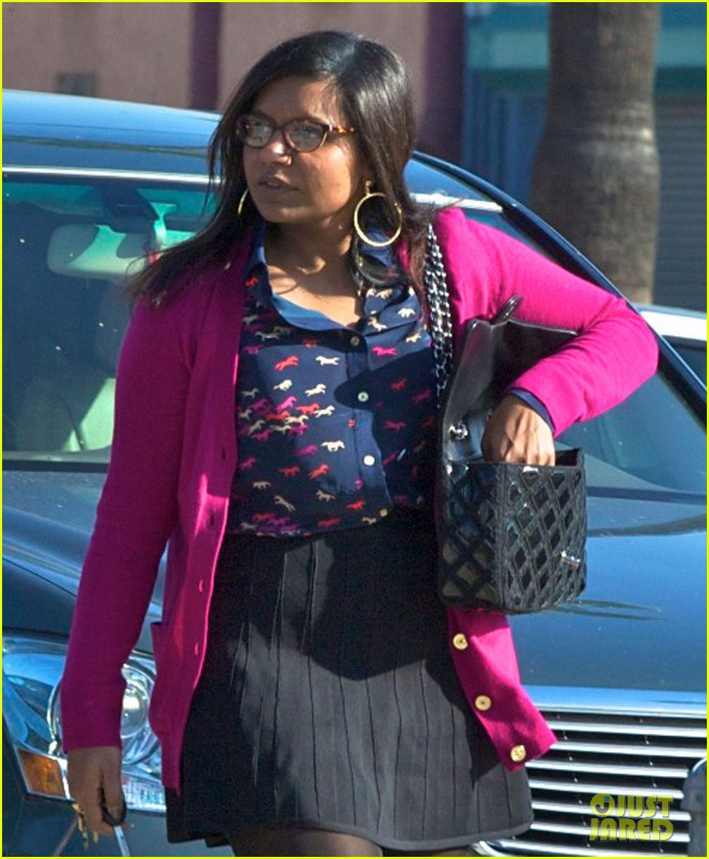 mindy kaling mindy project undergoes casting shakeup 04