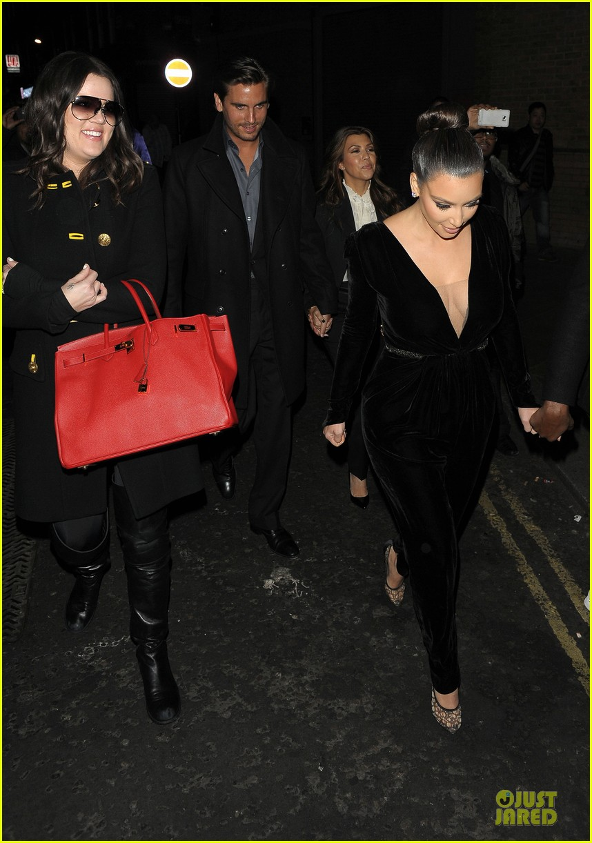kim kardashian kanye west dinner date with sisters 13