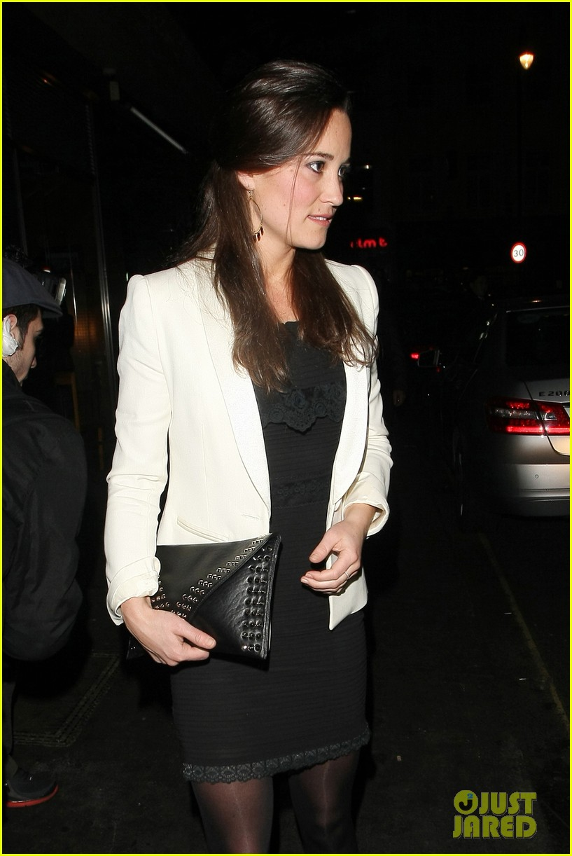 duchess kate pippa middleton separate london outings 04