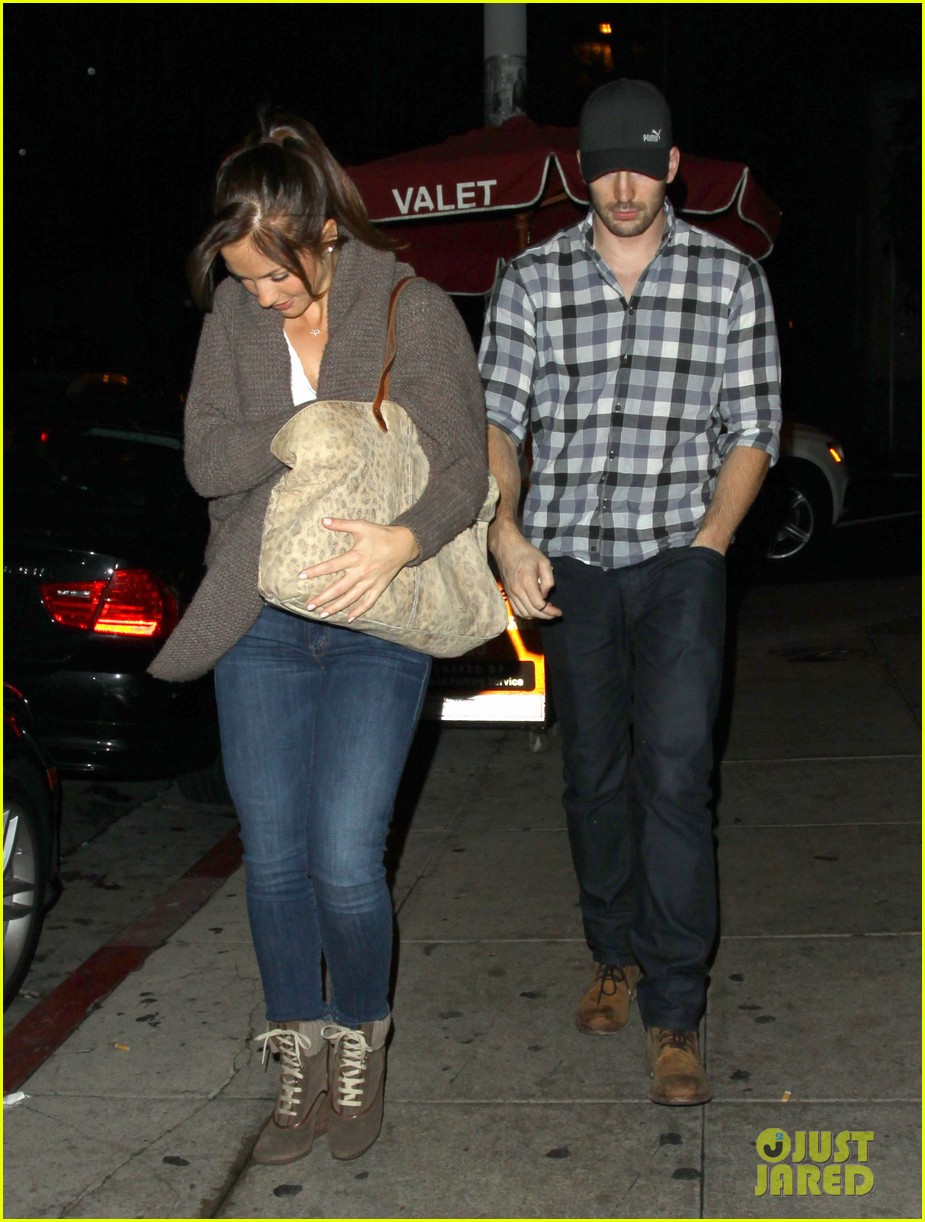 minka kelly chris evans sushi stop dinner date 01